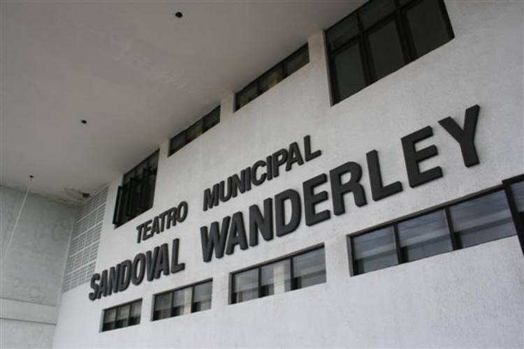 Depois de três diretores, dois anos fechado e nenhuma solução, Sandoval Wanderley terá comissão para retomar reforma