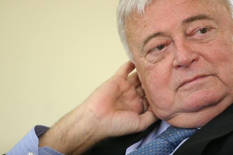 Justiça pede liberação de documentos que podem incriminar Teixeira