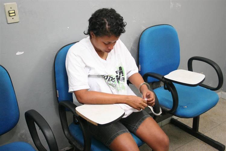 Juliana da Silva Nascimento foi presa com drogas em Macaiba