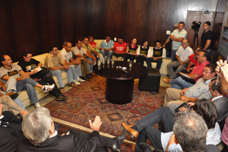 Sindicalistas estiveram reunidos com os deputados estaduais