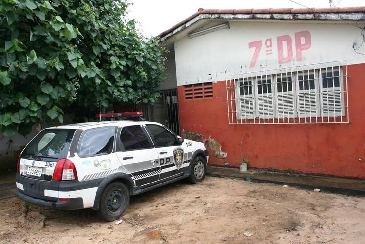 Os 16 presos que ainda estavam na delegacia de plantão zona Sul foram transferidos para a 7º DP, no bairro das Quintas, zona Leste de Natal.
