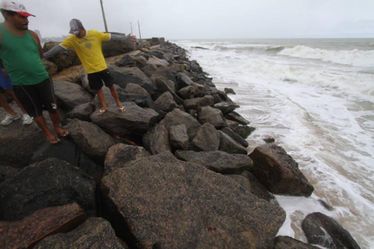 O estudante surfava em um trecho da praia do Pina, na área urbana de Recife, quando foi atacado