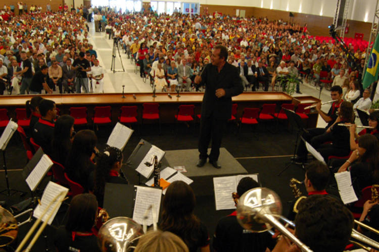 Filarmônica de Cruzeta apresenta mapeamento das bandas do estado, prepara Cd, festival e seminário para festejar 25 anos de carreira