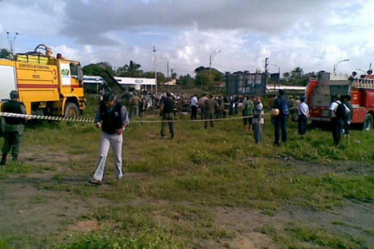 Bombeiros isolaram a área do acidente