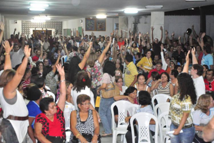 Professores decidiram terminar a greve devido às possíveis retaliações