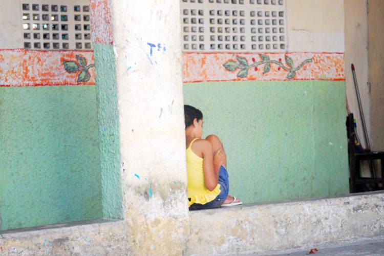 Crianças e jovens vivem em risco e sofrem com a falta de políticas públicas que revertam essa situação