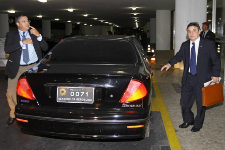 Carros Marea que serviam aos parlamentares serão vendidos e agora Senado fará contrato de locação