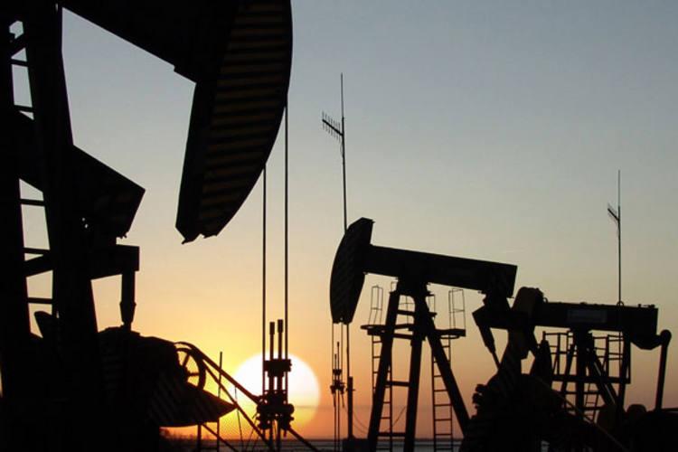 Receita decorrente da exploração de petróleo caiu em julho