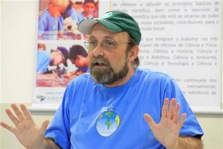 Cientista concedeu entrevista coletiva para falar sobre saída de pesquisadores do IINN