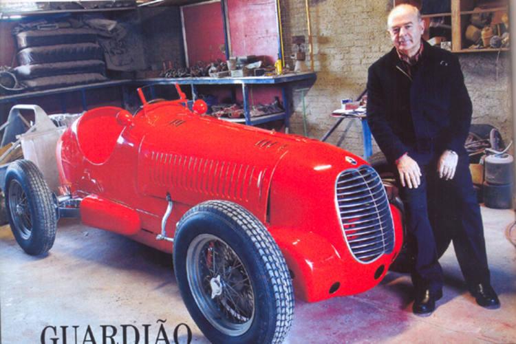 Paulo Trevisan e uma das relíquias do seu museu em final de restauração, a Maserati modelo 4CM, ano 1938