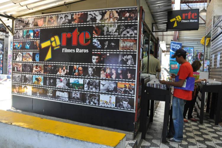 O espaço Sétima Arte, no Camelódromo, recebeu visitas da atriz Marcélia Cartaxo e do crítico Luiz Carlos Merten