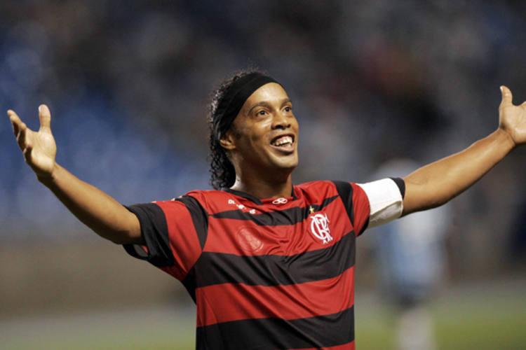De bem com a vida, Ronaldinho quer nova chance na Seleção