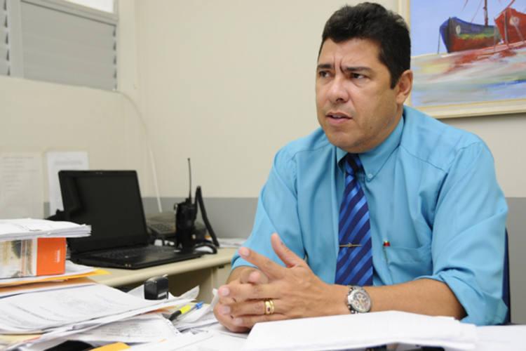 Graciliano Lordão, delegado de Parnamirim, investiga o caso