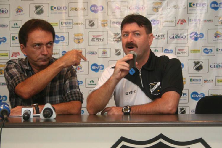 O presidente do ABC, Rubens Guilherme confirma que o clube trabalha com o patrocinador, mas diz que aval é de Leandro Campos