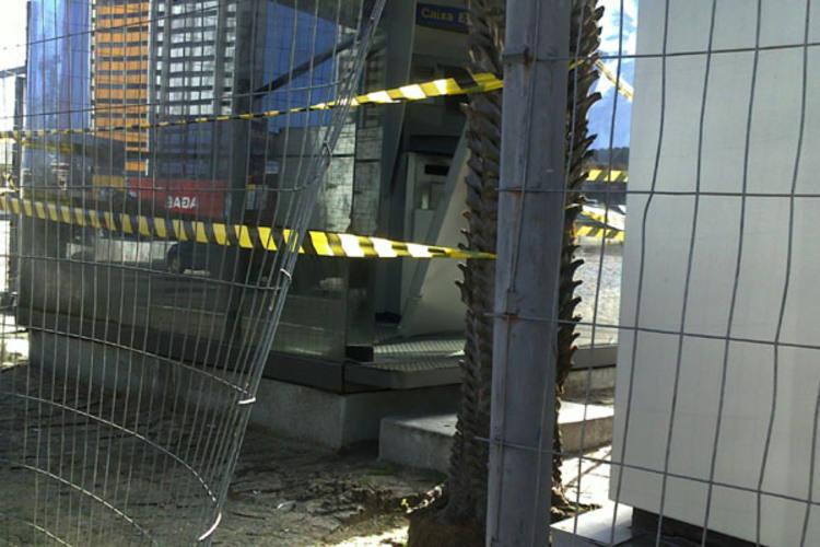 Polícia flagrou homens em um terminal no Via Direta Shopping