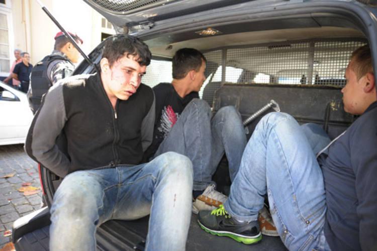 Polícia flagra três suspeitos envolvidos com arrombamento de caixa eletrônico