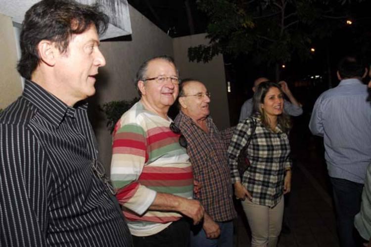 Robinson Faria conversa com Carlos Augusto Rosado, José Dias e Gesane Marinho