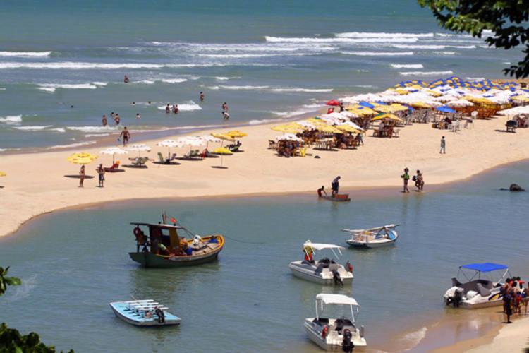Estratégia para atrair turistas vai além de cartões postais como as belezas de Pipa, no Litoral Sul