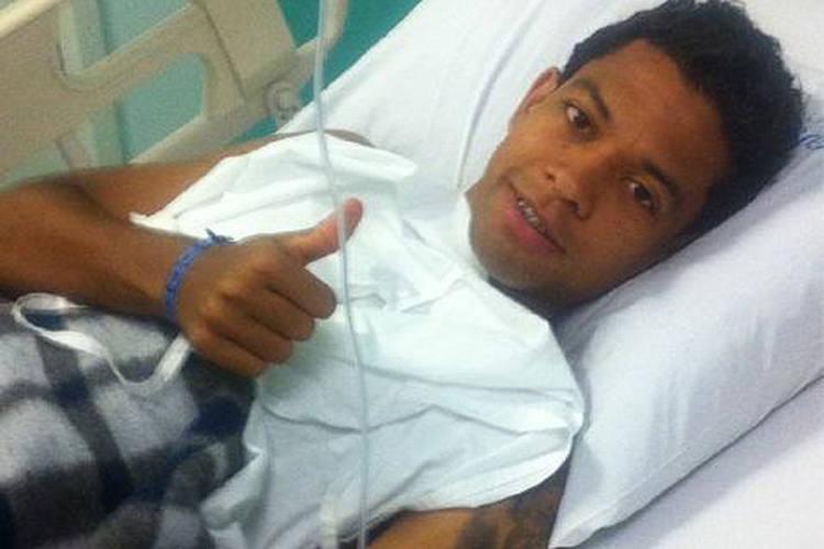 Wallyson, após cirurgia no tornozelo