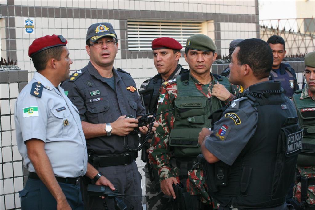 Cel. Alarico Azevedo, comandante do Policiamento Metropolitano, foi ao local do tiroteio