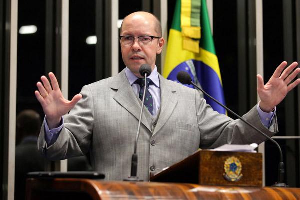Torres propõe também punição maior para atos de corrupção