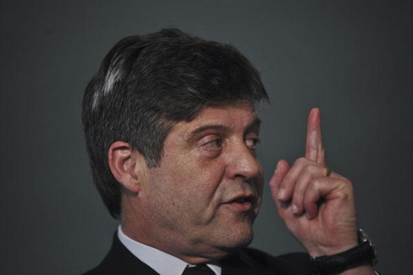 Mendes Ribeiro disse que não fará faxina na pasta: - O trabalho de investigar é de outros órgãos