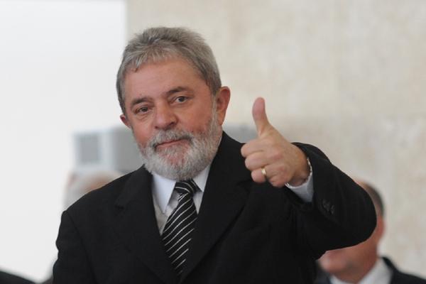 Lula pede que o PT se identifique com as camadas mais pobres da população de São Paulo