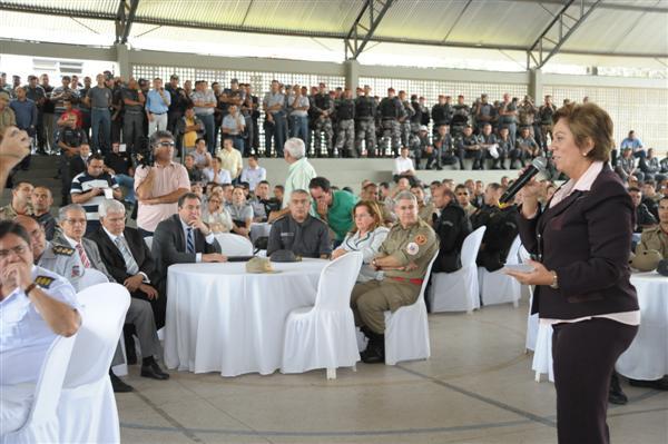 Em  encontro para comemorar o Dia do Soldado, Rosalba declarou que serão  elaborados levantamento de impacto dos aumentos no orçamento do Estado