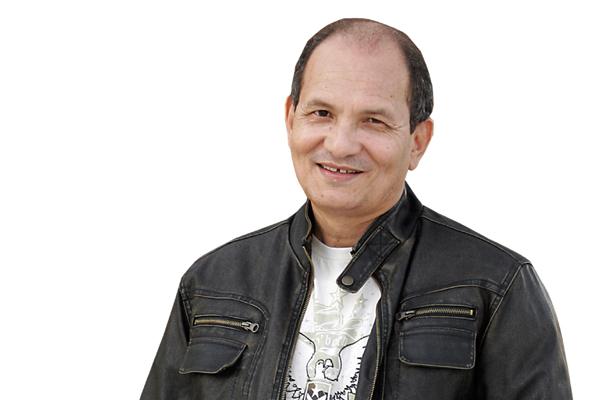 Regravado por artistas como Bethânia e Kid Abelha, o macauense Gilson Vieira da Silva diz que a pirataria tirou o sossego dos compositores