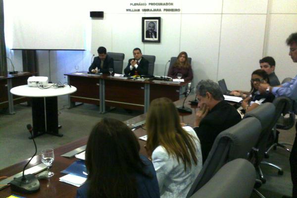Audiência pública debate desvio de função de policiais
