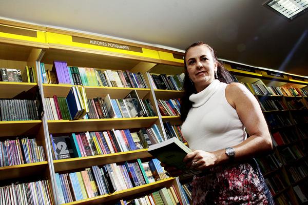 Proprietária da franquia Siciliano no Estado, Rosemary Guillen diz que lançamentos de livros e vendas serão mantidas após cadastramento