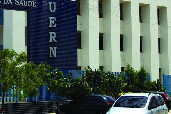 A Uern deve oferecer cerca de 2.800 vagas em mais de 70 cursos