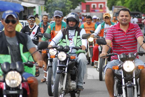 No Interior, para cada carteira autorizando a guiar motos, há dois veículos e meio trafegando nas cidades