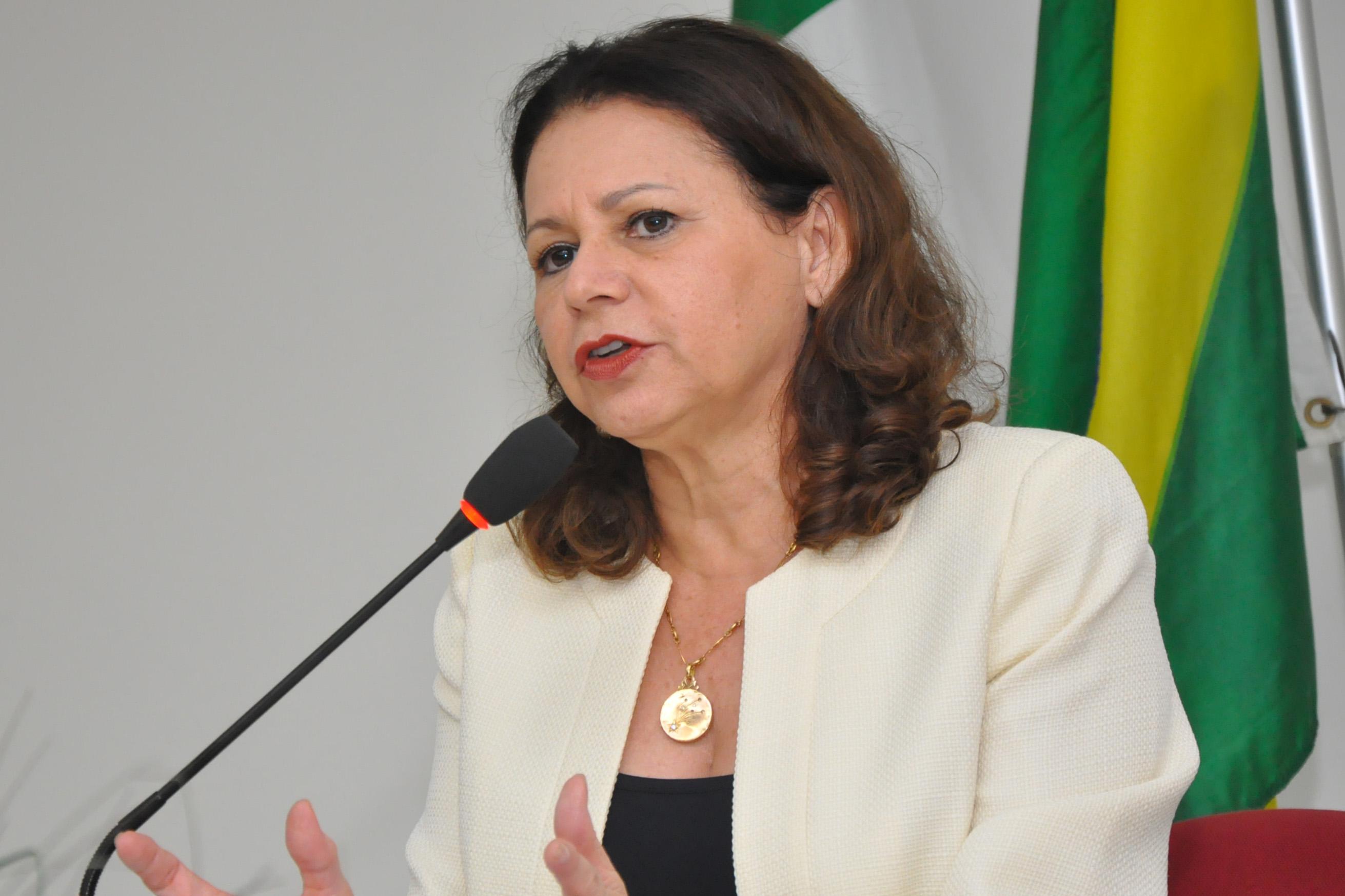 Betânia Ramalho, secretária estadual de Educação