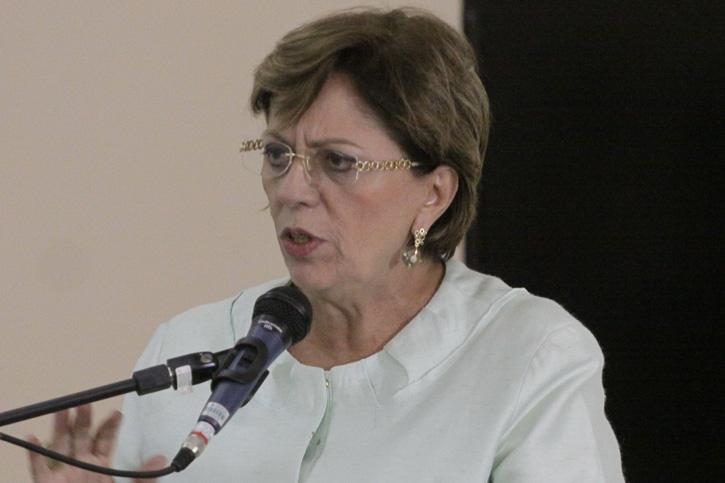 Rosalba Ciarlini pede adequação às previsões de receitas