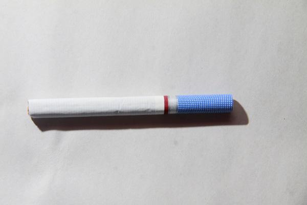 É crescente o número de jovens adeptos dos cigarros mentolados, e aumentam as novas marcas do tipo no mercado. riscos são os mesmos que do tipo tradicional
