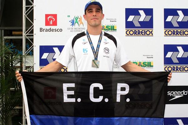 Fratus superou o campeão olímpico e recordista mundial César Cielo e ficou com o ouro nos 50 metros livre do Troféu Maria Lenk
