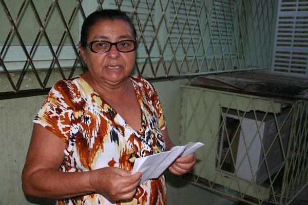 Josefa Vicente está há um ano procurando remédio nos postos