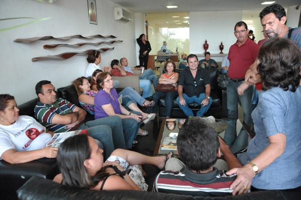 Servidores se reuniram na Governadoria, mas não foram atendidos