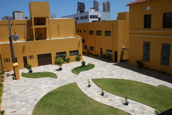 Prédio abriga cursos na área de gestão cultural, além do museu do brinquedo e bibliotecas