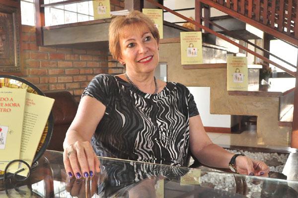 Esly Regina  de Carvalho afirma que a técnica já é adotada por alguns especialistas, em Natal, e tem sido bem aceita pelos pacientes