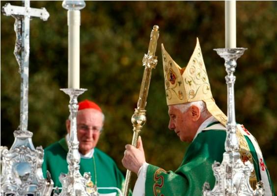Papa Bento XVI fará 85 anos em 2012, mas continua comandando igreja católica