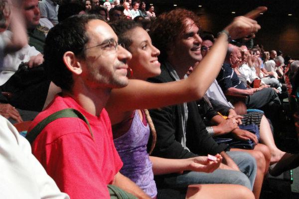 Artistas potiguares durante apresentação do Circo da China no Teatro Riachuelo