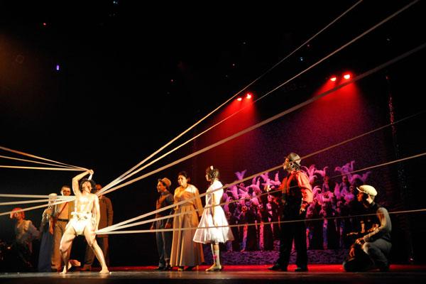 Auto da Liberdade deixa a rua e passa a ser encenado no palco do Dix-huit Rosado