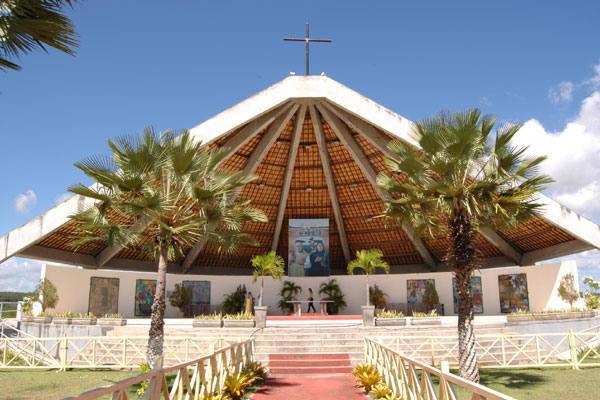 Monumento em Uruaçu costuma lotar em missas realizadas no dia dos Mártires