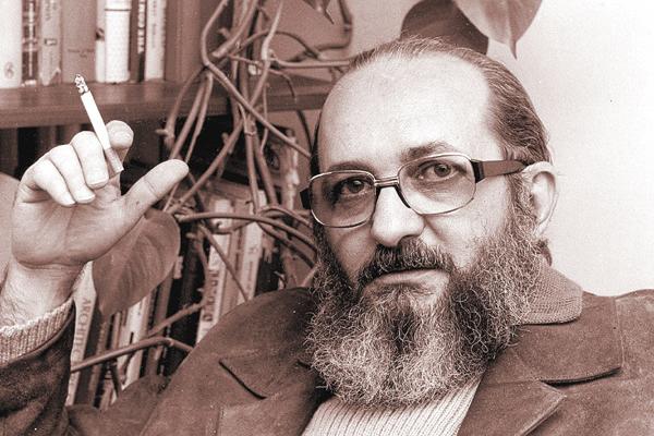 Considerado subversivo pelos militares, Paulo Freire foi preso em 1964 e passou setenta e cinco dias na cadeia do quartel de Olinda