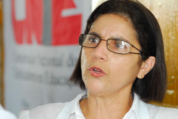 Fátima Cardoso, do Sinte, confirma greve dos técnicos da Educação