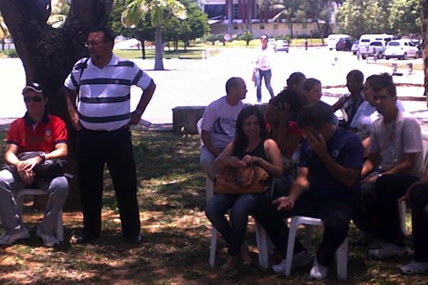 Servidores do Idiarn reunidos em assembleia