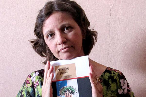 Professora de Língua Portuguesa e poeta oriunda da geração dos mimeógrafos, Anchella Monte lança terceiro livro hoje, na Poty