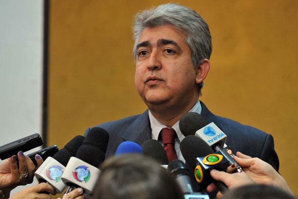 Barbosa explica providências adotadas pelo governo do Distrito Federal para resolver o problema